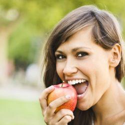 کاهش کلسترول خون با سیب