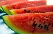 تاحالا فاسد شدن هندوانه رو در یه لحظه دیدی؟ / عکس