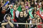 """تماشاگران """"زن"""" در بازی والیبال ایران مقابل ژاپن"""