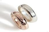 چرا حلقه ازدواج را در انگشت چهارم قرار می دهیم؟