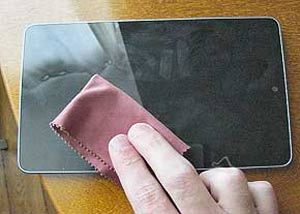 co1749 نحوه تمیز کردن صفحه نمایش تلفن همراه
