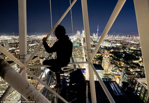 28azar 1 عکاسی از بالای بلندترین آسمان خراش های جهان