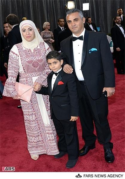 13911207000261 PhotoL زن باحجاب روی فرش قرمز اسکار/عکس