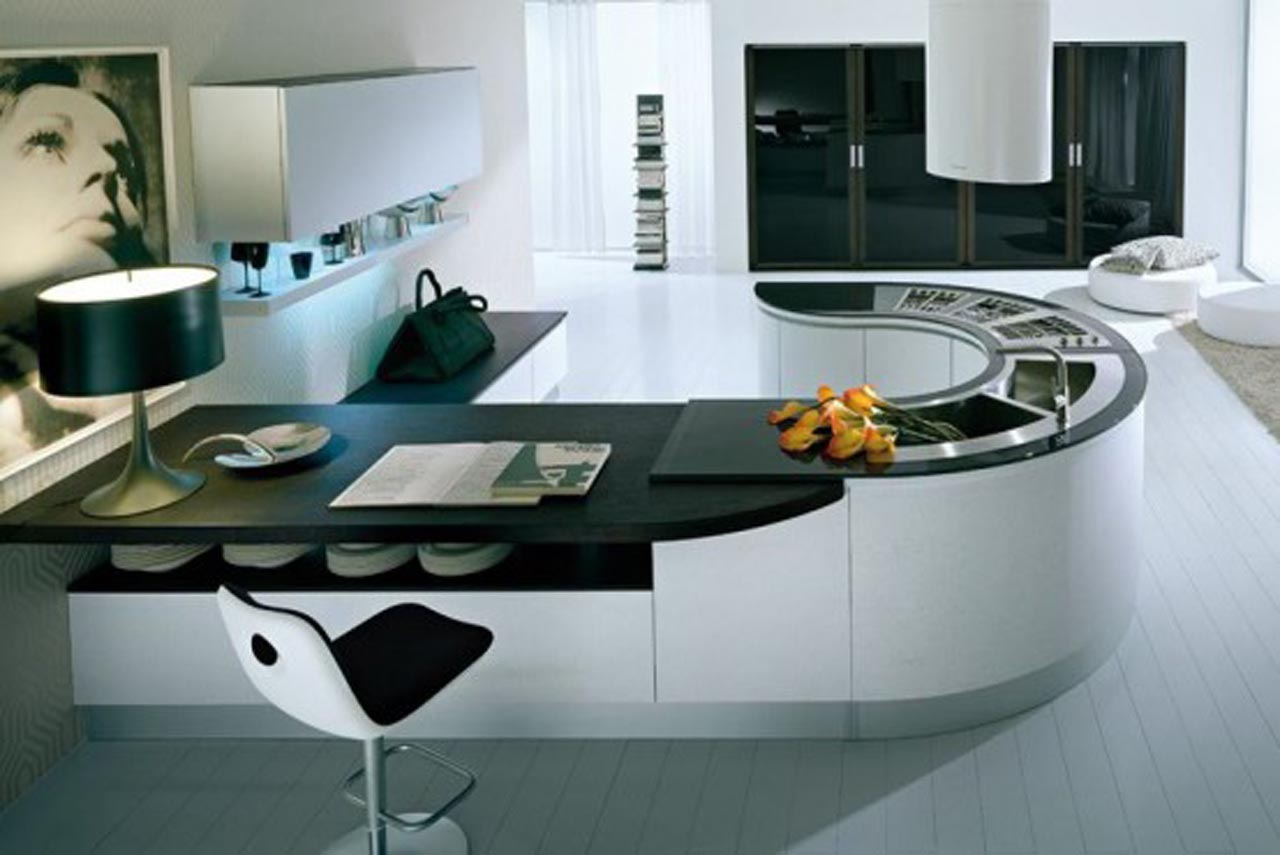 great-design-fashionable-extensive-kitchen-with-white-floor-cabinet-and-artistic-table-lamp