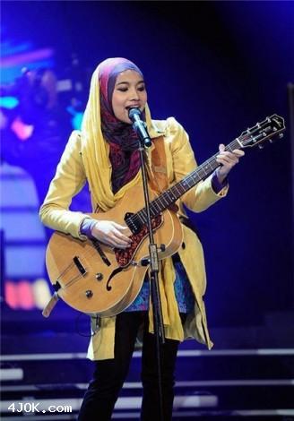4JOK.com 00420239633281461717 افتتاح دیسکو با رقص و حجاب اسلامی! /عکس