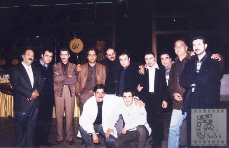 24886 عکس قدیمی از بازیگران معروف سریالهای طنز