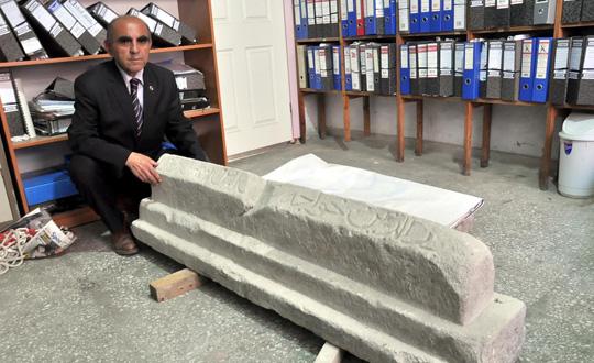 280764 717 سنگ قبر ملا نصرالدین کشف شد/عکس