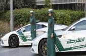 زنان پلیس در دبی با ماشین فراری/ عکس