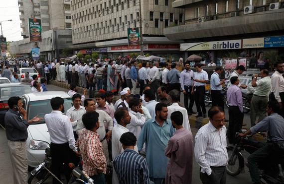 دبی و کراچی پس از زلزله سیستان و بلوچستان/عکس