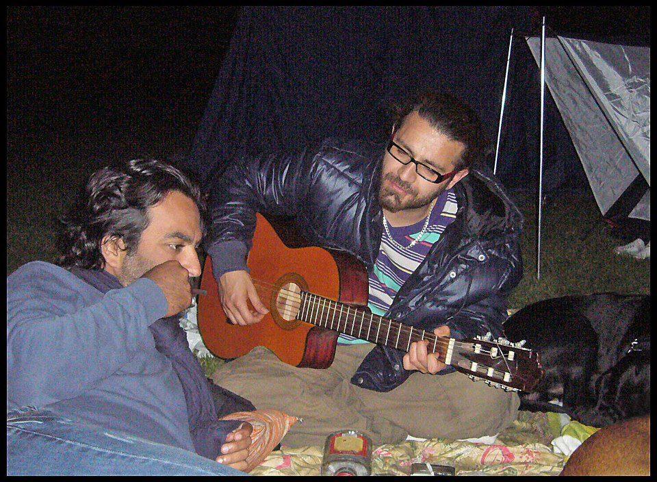 74863855239007447900 آزادیِ شاعر شاهین نجفی در خیابان های تهران/عکس