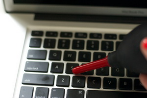 961925 959 روش صحیح تمیز کردن لپ تاپ