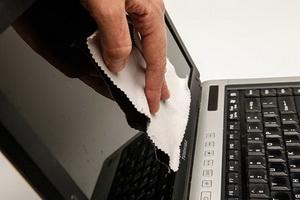 961928 681 روش صحیح تمیز کردن لپ تاپ
