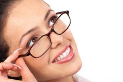 hou3906 نحوه انتخاب یک قاب عینک مناسب