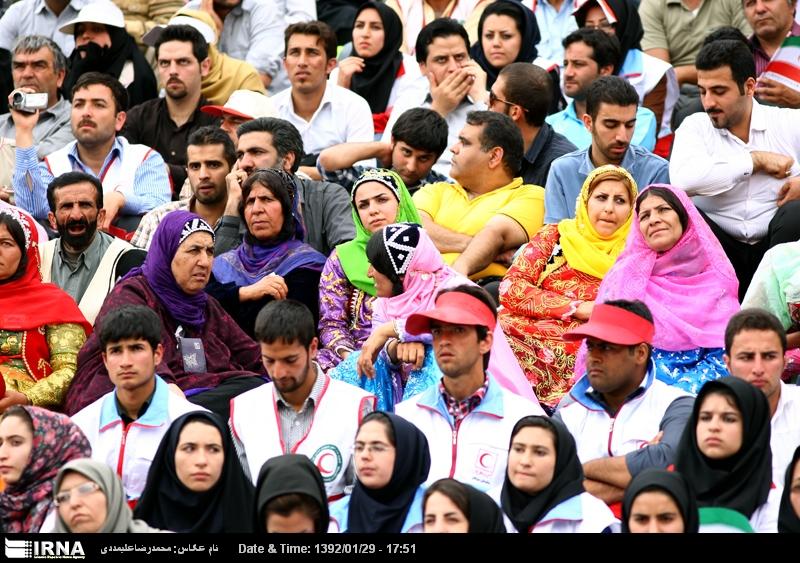 n1090134 2017543 حضور مختلط زن و مرد در ورزشگاه آزادي براي اولين بار/عكس