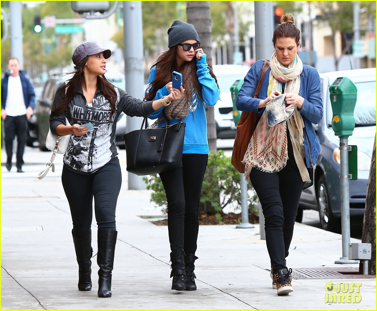 selena gomez wizards returns sets premiere date 07 عکس های جدید سلنا گومز