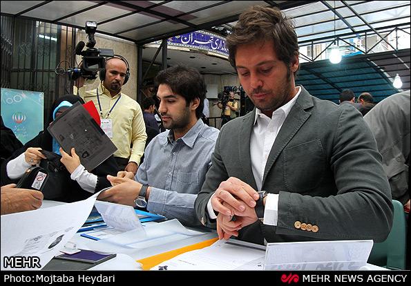 yfkimz1o2s2odtc6fw ثبت نام یک مدل و بازیگر مشهور سینمای ایران در انتخابات شورای شهر / عکس