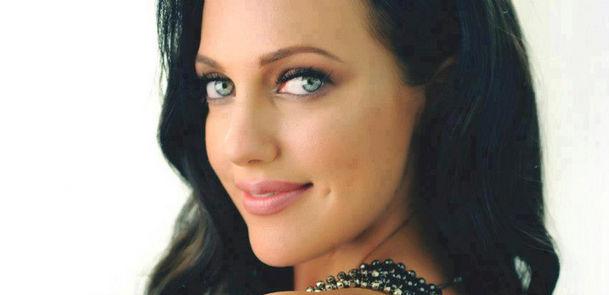 1 5 لیست زیباترین زنان سال ۲۰۱۳ به انتخاب hollywood buzz  / عکس