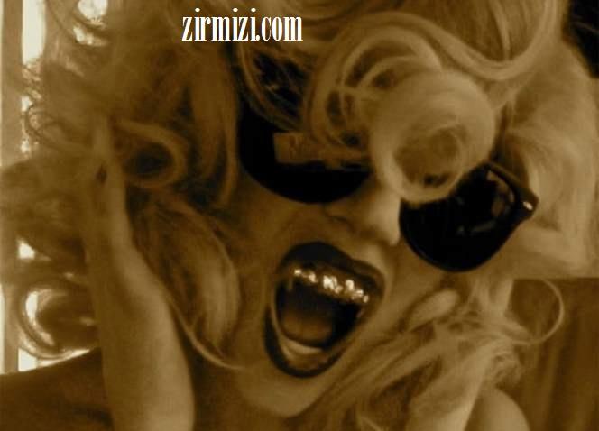 لیدی گاگا مد شدن دندانهای طلا بین بازیگران هالیوودی