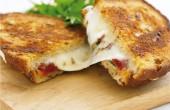 طرز تهیه ساندویچ موتزارلا (اسنک ایتالیایی موتزارلا)