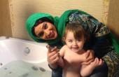 عکس تینا آخوندتبار در وان حمام
