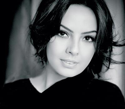 0.488221001387891388 parsnaz ir عکس های اِبرو خواننده ترک و همسر ایرانی اش