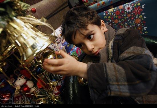 233495 386 حال و هوای جشن کریسمس 2014 در ایران / عکس