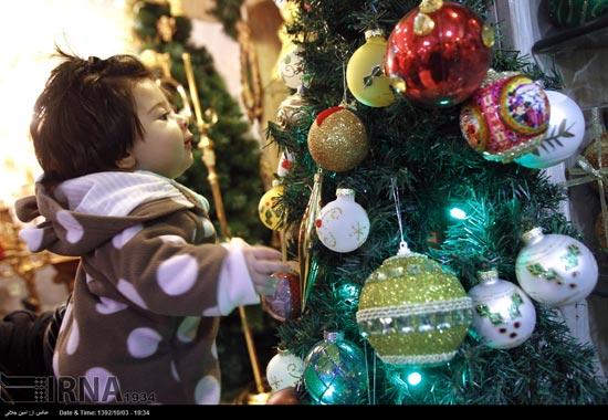 233502 934 حال و هوای جشن کریسمس 2014 در ایران / عکس