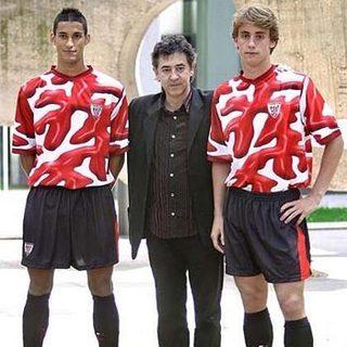 635224470024489070110190 667 مسخره ترین لباس های فوتبال طراحی شده