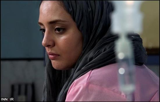 narges mohammadi1 قهر و چادر نپوشیدن نرگس محمدی سالن را بهم ریخت + فیلم
