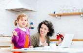 موفقیت مادران شاغل در خانه