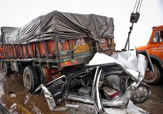 bn9 له شدن وحشتناک خودروها در تصادف جاده قم / عکس