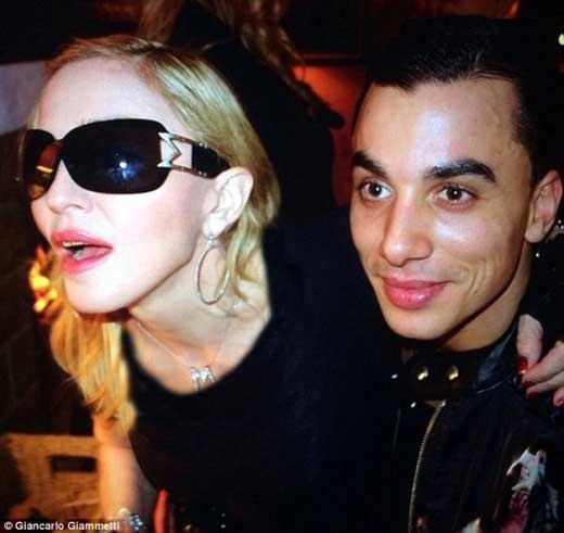 medona singer رابطه جدید مدونا با جوان 26 ساله هلندی / عکس