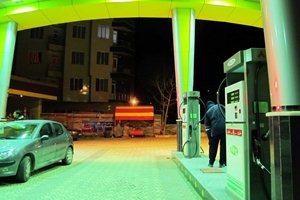 برخی از پمپ بنزین های تهران از مدار خارج شد