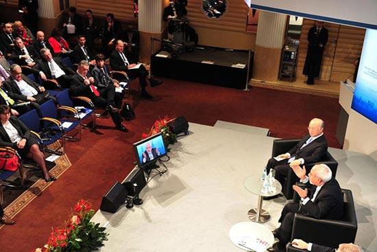 وزیر جنگ اسرائیل پای صحبتهای ظریف نشست / عکس, جدید 1400 -گهر