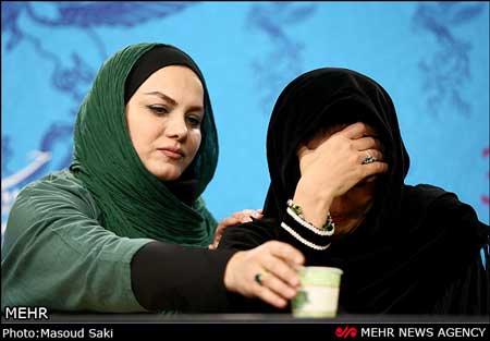 92 11 m1339 گریه مریلا زارعی در نشست خبری فیلم شیار ۱۴۳ / عکس