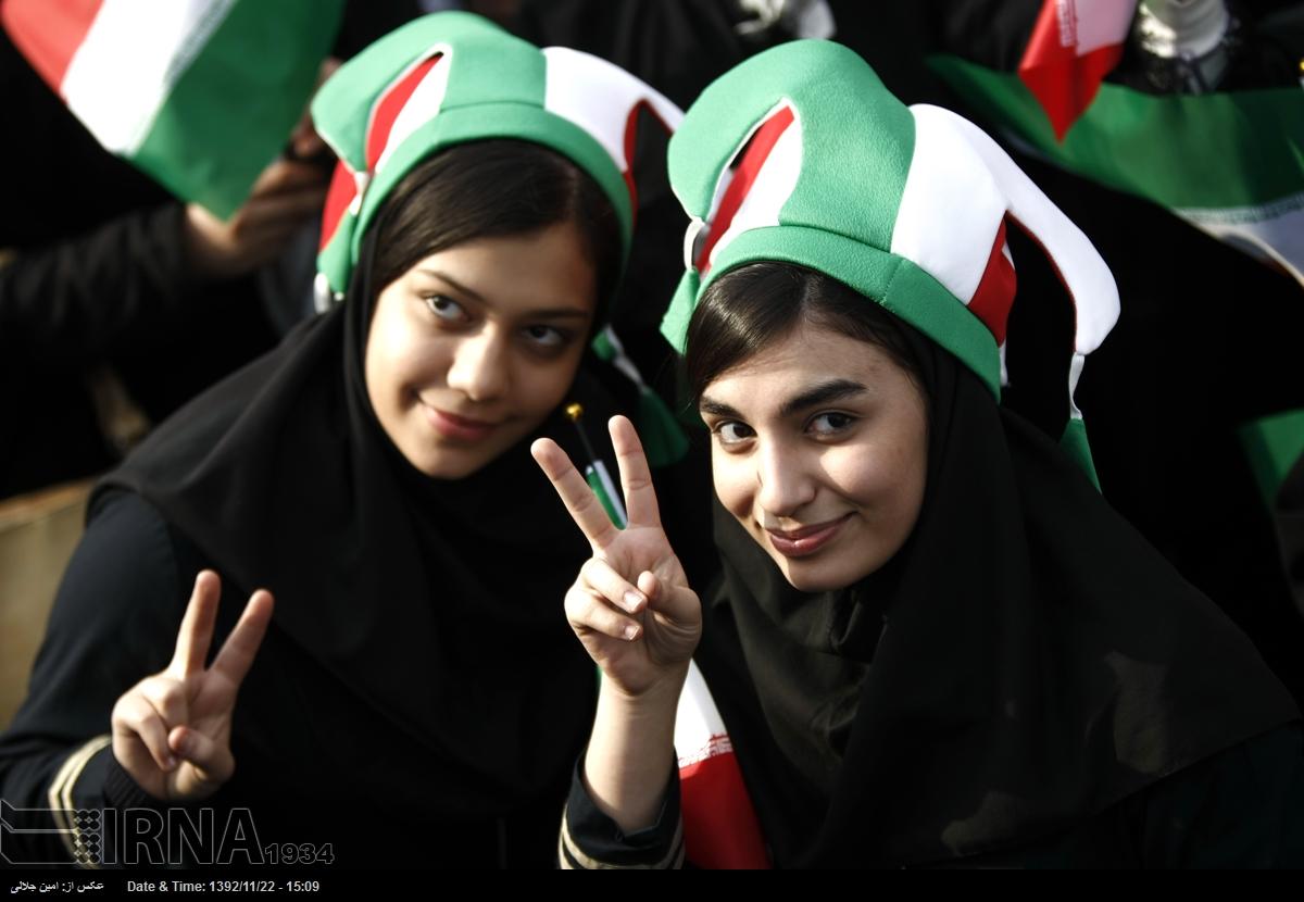 n2637931 3753210 عکس دختران ایرانی در راهپیمایی 22 بهمن 93 میدان آزادی