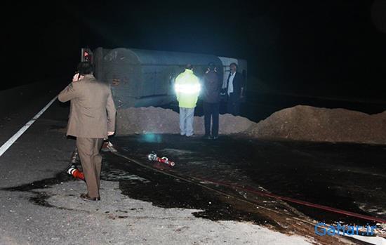 واژگونی تریلر حامل بنزین در جاده ساوه, جدید 1400 -گهر