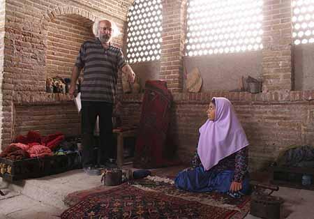 حاشیه های جشنواره فجر: حضور علی پروین برای دیدن فیلم دخترش, جدید 1400 -گهر