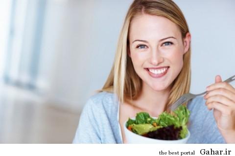 1 happy woman eating salad 600 480x320 تاثیر مثبت اندیشی بر کاهش وزن