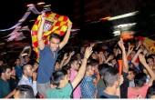 شادی مردم اهواز در خیابان پس از قهرمانی فولاد خوزستان / عکس