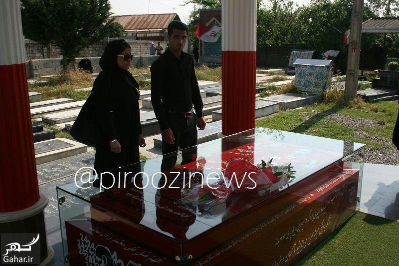 ali alippor hamsar عکس علی علیپور و همسرش کنار مزار هادی نوروزی