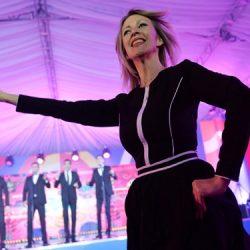 رقص سخنگوی وزارت خارجه روسیه مقابل خبرنگاران ؛ عکس