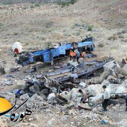۱۹ کشته و ۲۹ زخمی در حادثه سقوط اتوبوس حامل سربازان به دره + عکس
