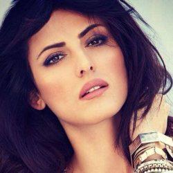بیوگرافی ماندانا کریمی بازیگر و مدل ایرانی الاصل ستاره بالیوود + عکس