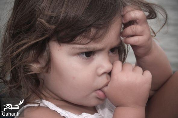 Thumb sucking باید و نبایدهایی برای پدر و مادرها در مورد انگشت مکیدن کودک شان