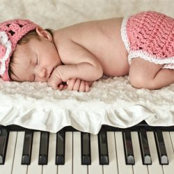 piano-julia-newborn1