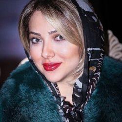 عکس جدید لیلا اوتادی در حال چیدن سفره عقد خواهرش