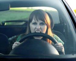 تفاوت های جالب رانندگی زنان و مردان