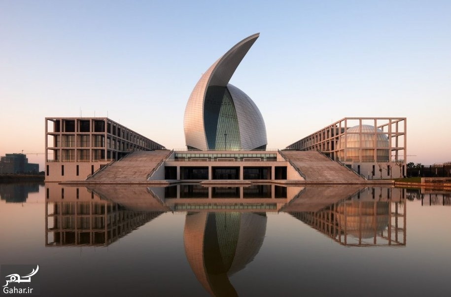 503629 the maritime museum in lingang china has two curved roof shells in the shape of sails over the exhibition hall it is large enough to display ships 1 معرفی کامل مهم ترین موزه های جهان