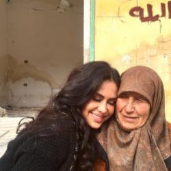 بازیگر زن آمریکایی برای ساخت مستند به حلب سوریه رفته ؛ عکس